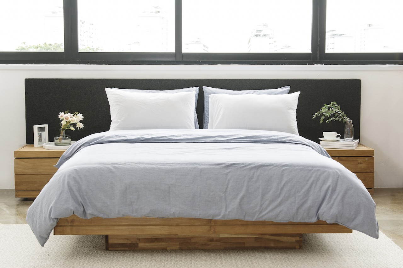 Teak Burger Bed With Long Bedhead And Nightstands European Queen Size Soul Tables
